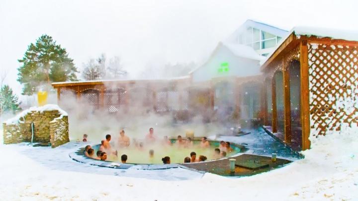 Репортаж в купальнике: как отметить новогодние праздники всей семьёй с пользой для здоровья