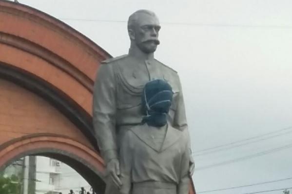 Памятник цесаревичу сломали в августе прошлого года