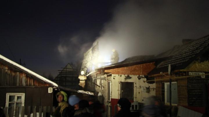 26-летний мужчина приревновал свою девушку и поджег дом. В огне погиб её отец
