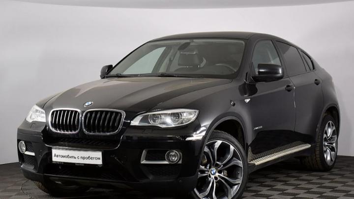 Старьё бьёт новьё: крутой BMW X6 против самого маленького кроссовера Lexus