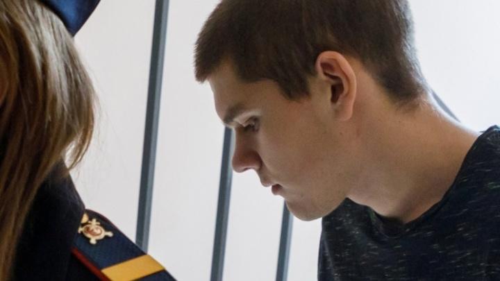 «Родные категорически против»: молодогвардеец Ренат Булатов попросится на свободу