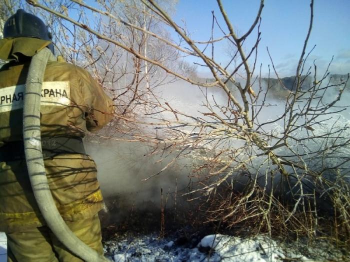 Пожарные почти закончили тушить торф