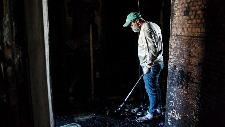Пыталась вытащить сожителя из задымленной комнаты: в Волжском при пожаре погибли двое мужчин