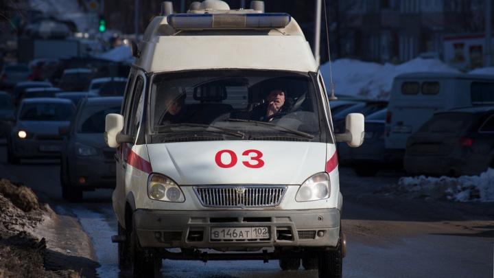 В Башкирии трехлетняя малышка выпала из окна