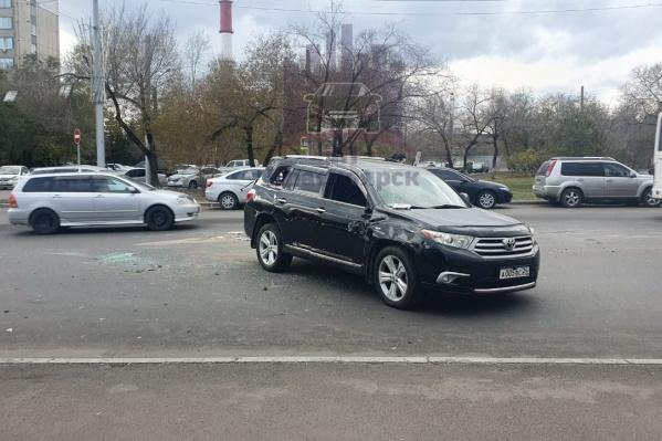 После переворота на крышу паркетник вновь встал на 4 колеса