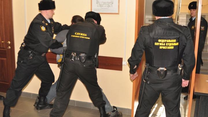 Вымогал, поджигал, запугивал: одному из членов северодвинской ОПГ «Шаманинские» зачитали приговор