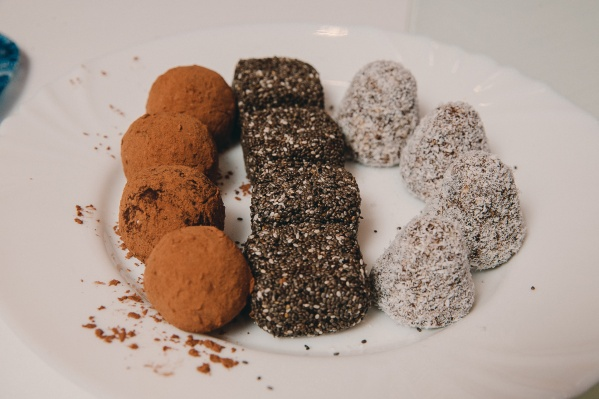 Эти конфеты из полезных ингредиентов отлично впишутся в рацион тех, кто придерживается правильного питания