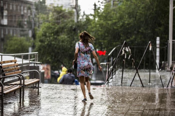 В Новосибирске сохранятся дожди и ветра