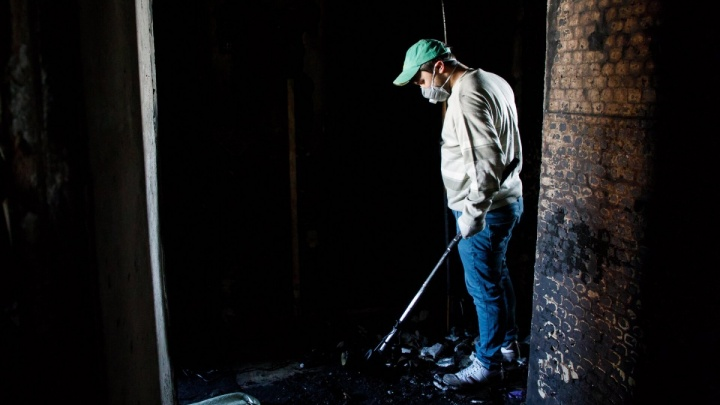 «Он чудом остался жив»: волгоградца спасли во время пожара в пятиэтажке