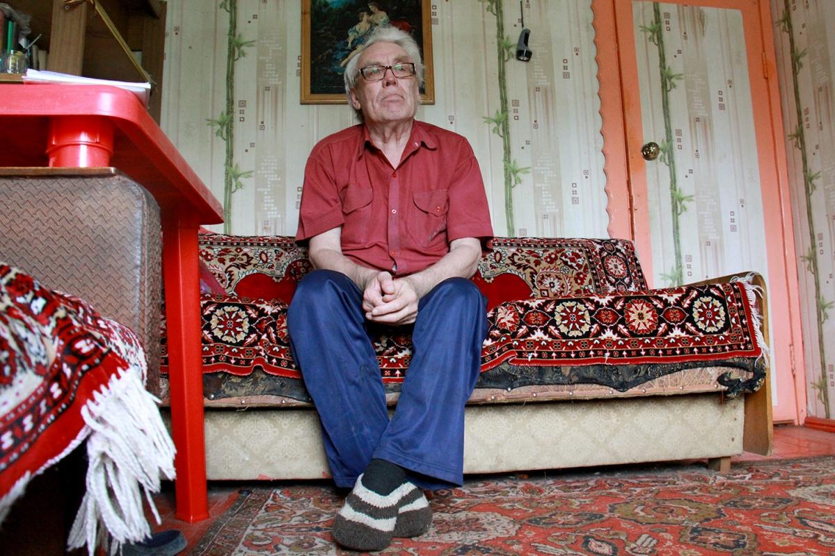 Летние месяцы Николай Тихонович проводит на даче