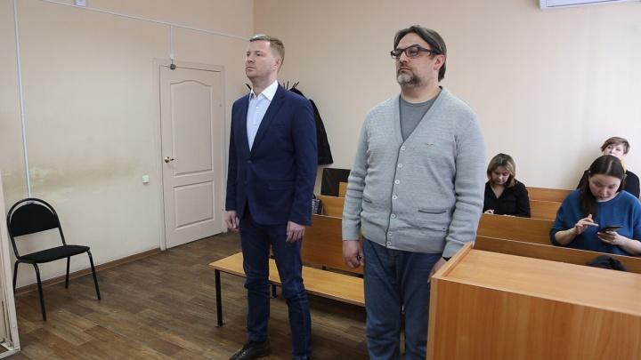 «Обманули губернатора»: в Челябинске начался суд над бывшим замом министра и директором «Элефанта»