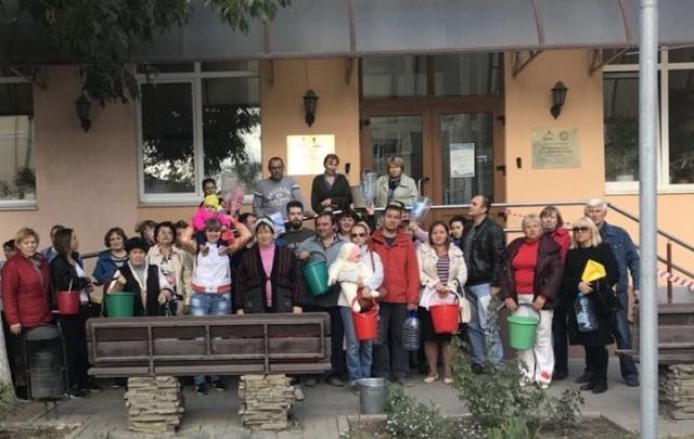Жителям дачного поселка «Ростсельмашевец-Товарищ» в Ростове отключили воду за долги, которых нет