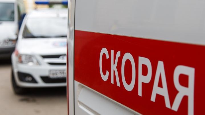 От удара улетела в кювет: двое человек ранены в столкновении легковушек под Волгоградом