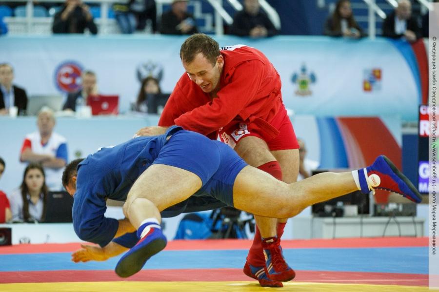 Русские самбисты завоевали 5 золотых наград во 2-ой деньЧМ вБухаресте