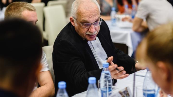 «Это вам не шашкой махать»: Александр Друзь принял участие в играх «Что? Где? Когда?»в Котельниково