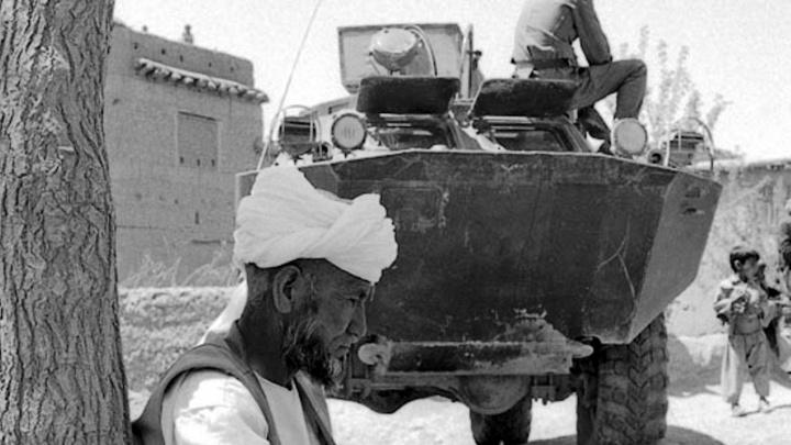 «Хочу жить, хочу девок любить, хочу домой»: читаем отрывки из повести омича об Афганской войне