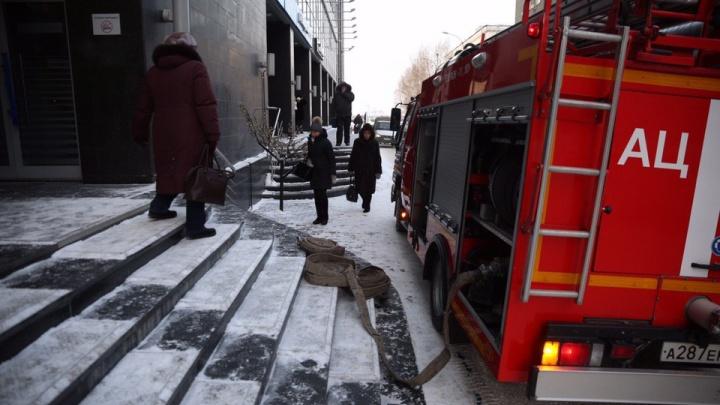 Не паниковать и помогать старикам и детям: спасатели рассказали, как действовать при эвакуации