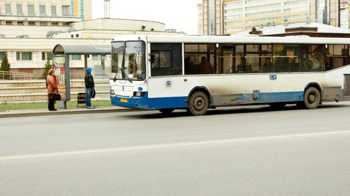 В Омске изменили маршруты автобусов из-за ремонта Юбилейного моста