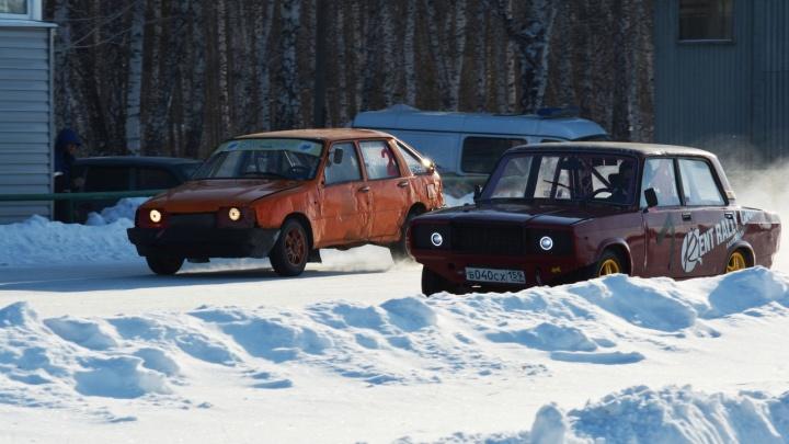 В Кургане прошли состязания по автогонкам всероссийского уровня