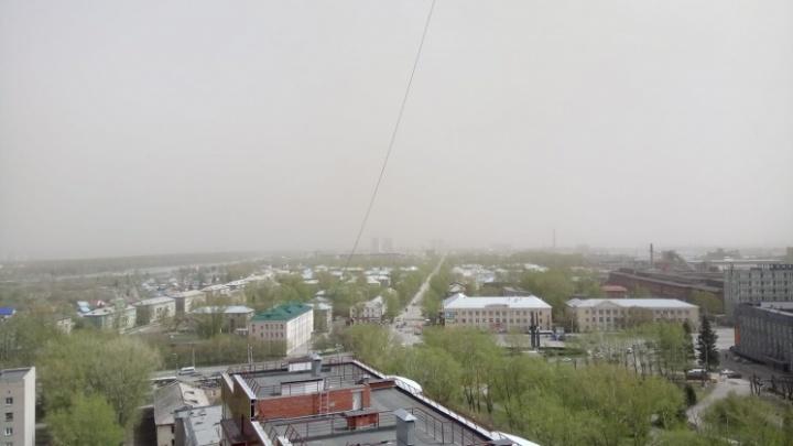 В Новосибирск идет сильнейшая буря с грозой