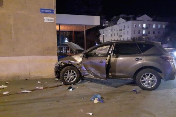 Nissan Murano сбил шесть человек, один из которых скончался