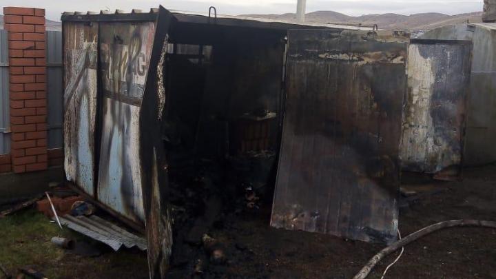 В Башкирии трое мужчин погибли в пожаре в будке на берегу озера