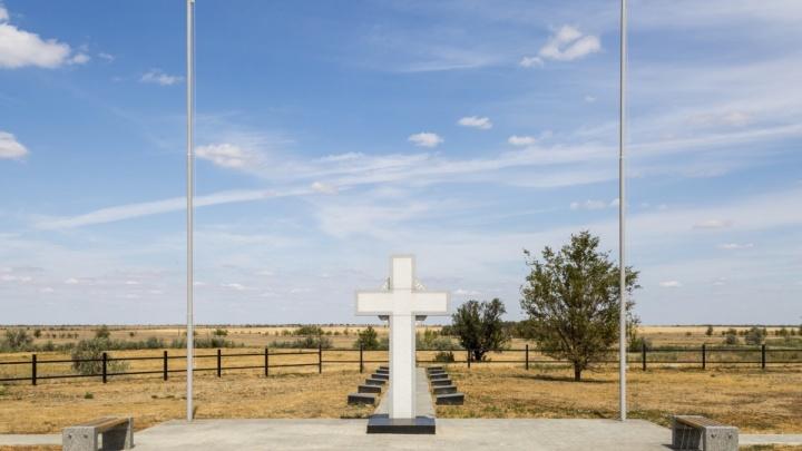 В Волгоградна перенос останков 633 солдат с немецкого кладбища приехал посол Румынии