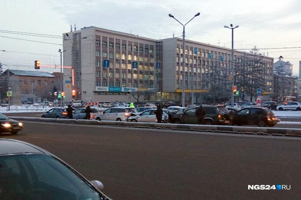 Авария произошла на съезде с Коммунального моста