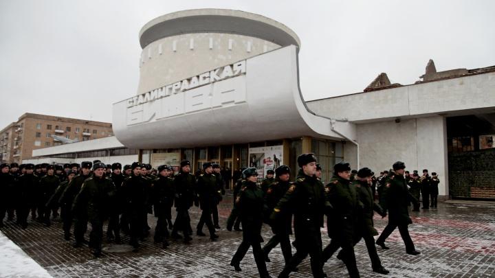 «Можем стать новыми участниками парада»: Волгограду показали новый полк сапёров