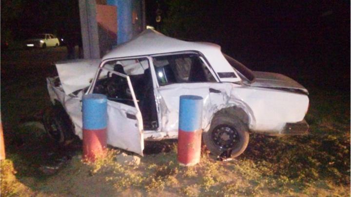 В Омском районе водитель ВАЗа врезался в остановку