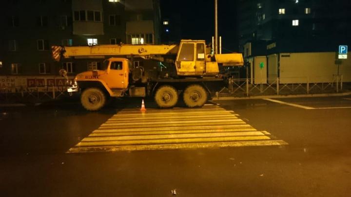 Два пешехода пострадали за вечер на дорогах Новосибирска