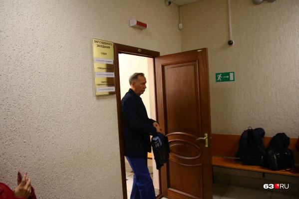 Александр Кирилин пришел в суд с одним защитником