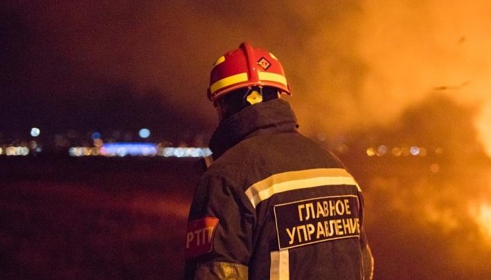 В Ростовской области при пожаре в жилом доме пострадала женщина
