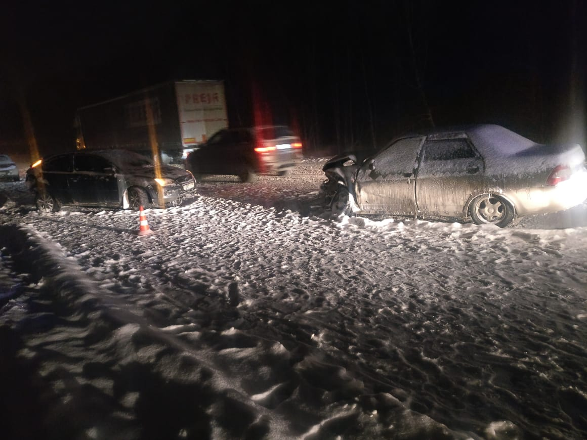 На 15-м километре столкнулись три машины