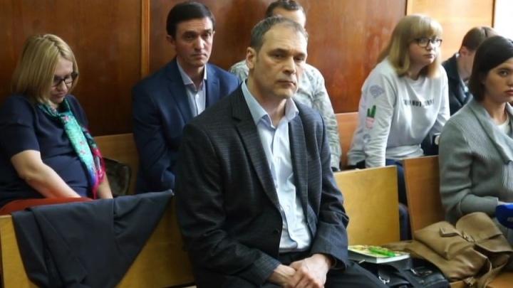 Экс-глава Верх-Исетского района, осужденный за взятку, досрочно вышел на свободу