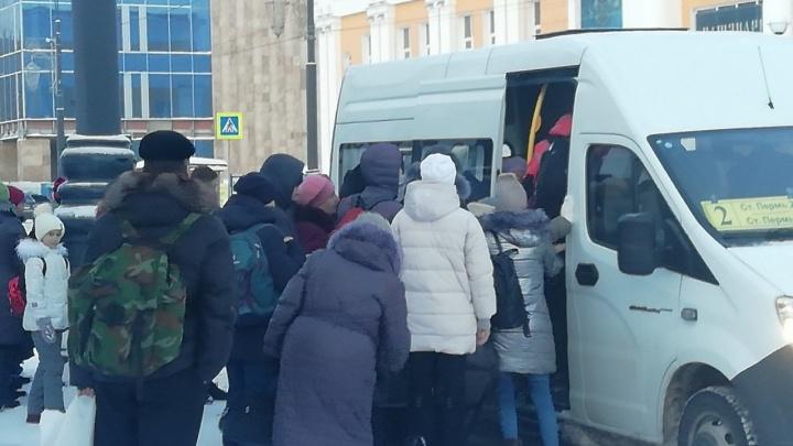 Пермяки пожаловались на недостаточное количество автобусов от Перми I после закрытия ж.-д. ветки
