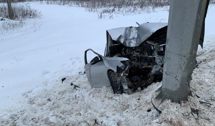 В больнице умер пассажир Toyota Camry, разбившейся 31 декабря на Челябинском тракте