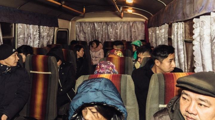 Чемодан, вокзал, родина: самарские приставы выдворили за границу 31 нелегала
