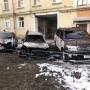 В ночном пожаре в Северодвинске пострадали три иномарки: одна полностью уничтожена огнем