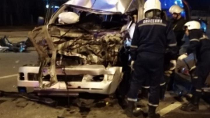 В Нижнем Новгороде столкнулись грузовик и автобус. Пострадали шесть человек