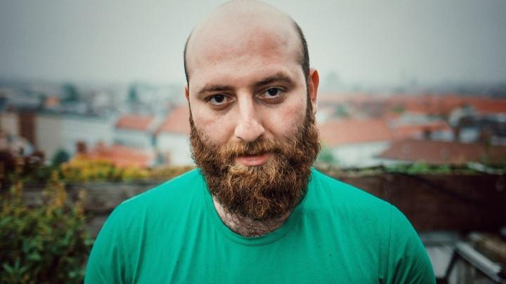 «На работу хожу в домашних тапочках»: художник из Нахичевани — о жизни в Берлине