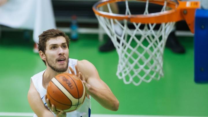 Баскетбол: «Новосибирск» обыграл «ТЕМП-СУМЗ-УГМК» на домашней площадке