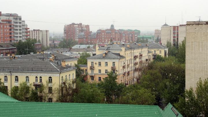 С высоты 1,5 километров на Омск выпал майский снег