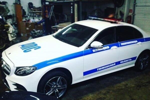 Тюменцы уверены, что машину прикупили, чтобы сопровождать губернатора области
