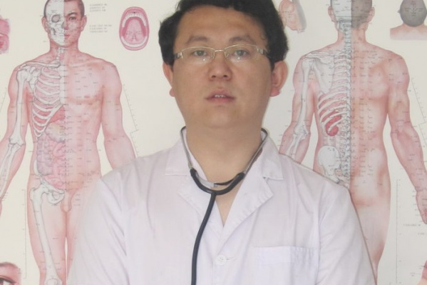 Врач Вэй Сяоюн