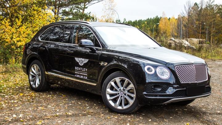 Новосибирец заплатил налог за машину 270 тысяч рублей: сколько платят за вертолеты, самолеты и яхты
