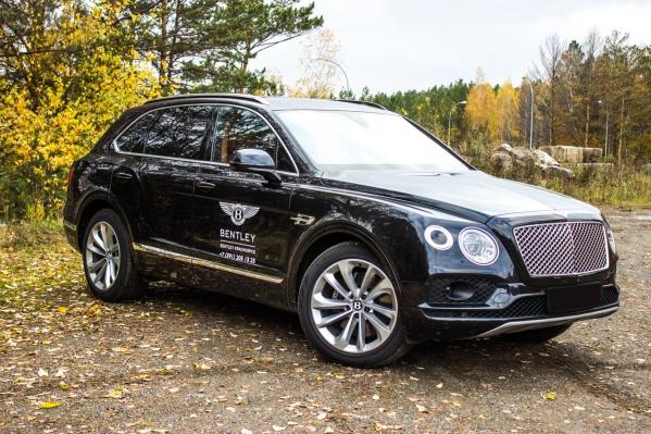 Внедорожник Bentley Bentayga стоит в среднем 10-15 миллионов рублей в зависимости от года выпуска