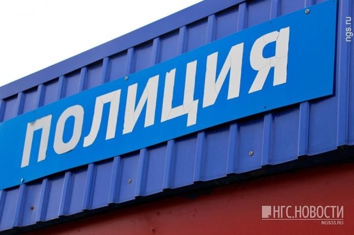 Омского экс-полицейского судят завзятку в100 тыс. руб.