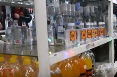 Четыреста литров поддельного алкоголя изъяли полицейские у шарыповского бизнесмена