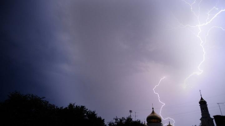 В ожидании бури: на Ростов надвигается сильный шторм